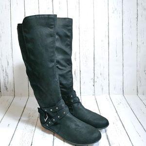 NWOB FERGALICIOUS Bridges Black studded boots
